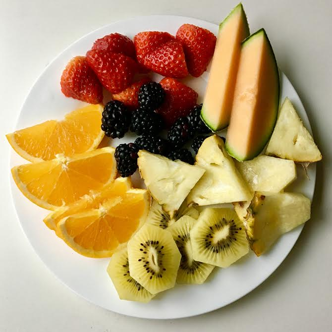 fresh fruit and vegetable plates help to eat your fruits and vegetable intakes